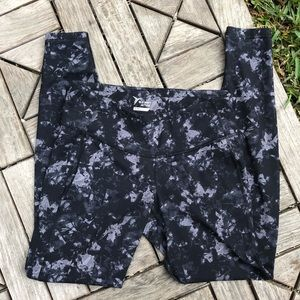 Old Navy Active High Waisted Leggings Size M